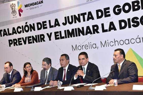 Generar condiciones de igualdad y equidad, responsabilidad de los gobiernos: Silvano Aureoles