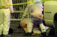 Mujer es acribillada afuera de su domicilio en Jacona