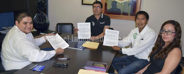 """Tangancícuaro firmó convenio con Amocali AC para implementación del programa: """"Campo Limpio""""."""