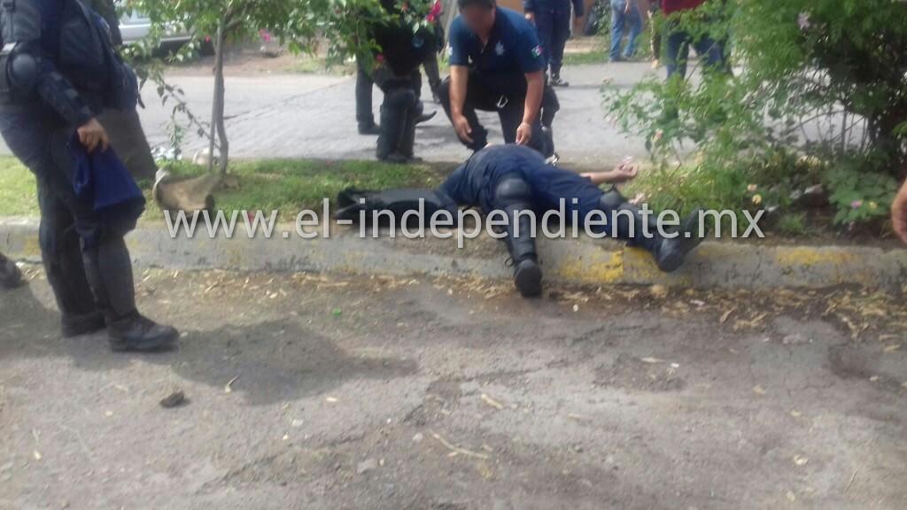 Docentes apedrean a policías y lesionan a uno en Zamora; hay un detenido