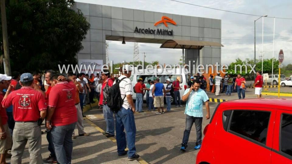 Detienen a 5 líderes mineros de la Sección 271 en LC, sus colegas exigen su liberación
