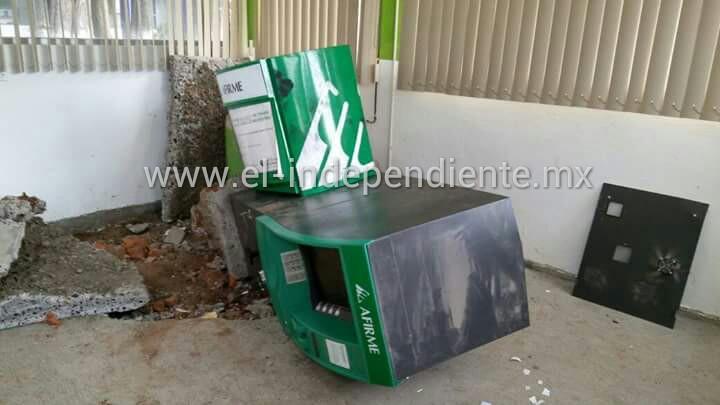 """Se les """"seba"""" robo contra cajero de Afirme en el Deportivo Indeco"""