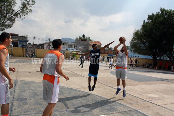 Duelos llenos de velocidad y buen nivel en la liga de Basquetbol Jacona