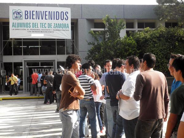 Tec Zamora realizó examen de admisión a más de 800 aspirantes