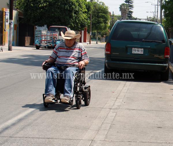 Ampliarán espacios en infraestructura vial para discapacitados