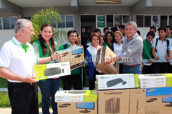 Invierten 350 mil pesos en fortalecimiento de infraestructura escolar