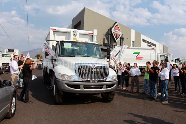 Destina ayuntamiento 15 mdp en 10 camiones para la basura