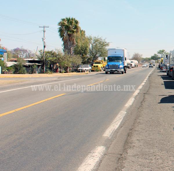 Redoblan esfuerzos para llegada de 30 mdp para carretera en Tangancícuaro