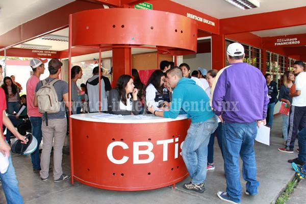 Subió porcentaje de alumnos con terminación de estudios en el CBTIS 52