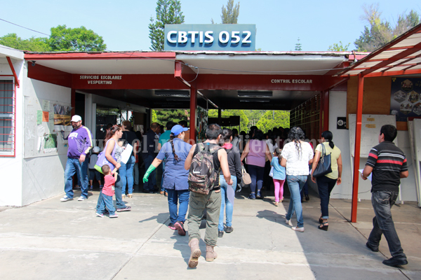 Casi 900 jóvenes solicitaron su ingreso al CBTIS 52