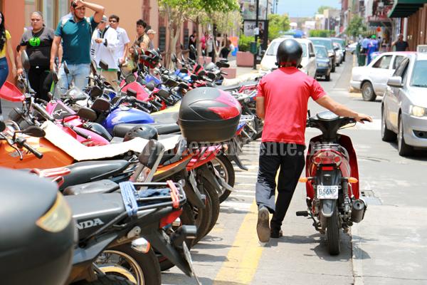 Aumentarán 25 por ciento precios de multas de Tránsito para motociclistas