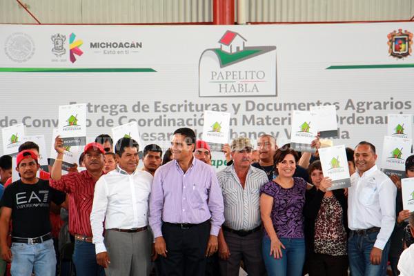 Buscan reducir déficit de 160 mil viviendas en Michoacán