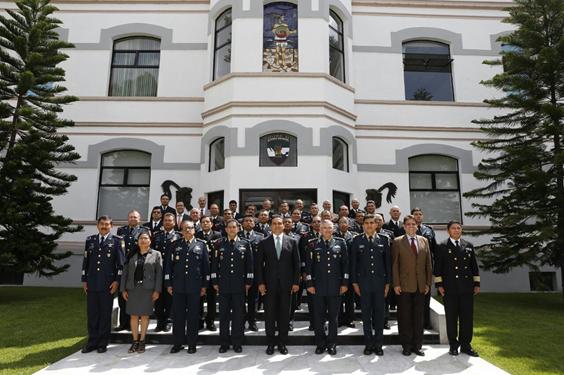 Comparte Silvano Aureoles políticas de desarrollo en Colegio de Defensa Nacional