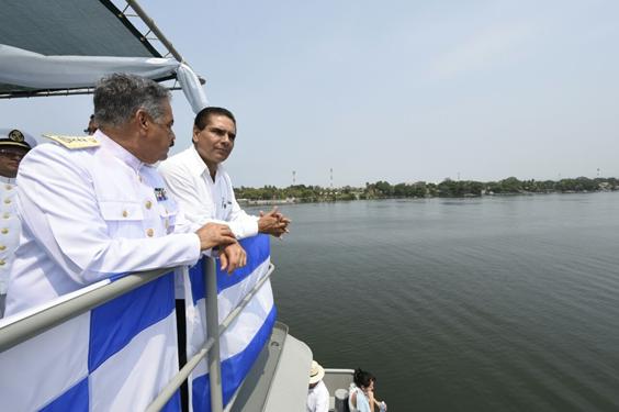 Encabeza Silvano Aureoles celebración del Día de la Marina Nacional en Lázaro Cárdenas