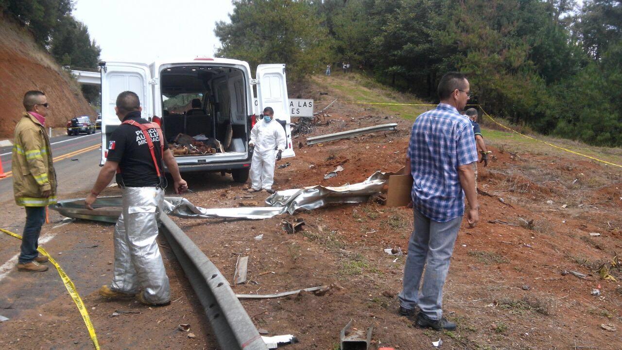 Identifican a siete de los 8 muertos que dejó un choque entre pipa y camioneta