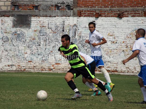 ABC San Juan ganó 4-3 a Cemex en un gran partido de primera intermedia
