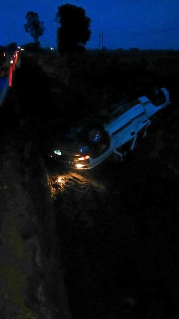 Trágica volcadura deja un muerto y un menor herido en Venustiano Carranza