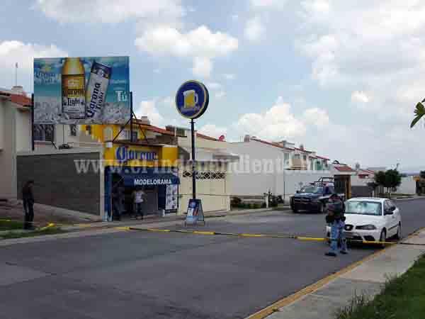 Comerciante resulta ileso de un atentado a balazos en el Fraccionamiento Monte Olivo de Zamora