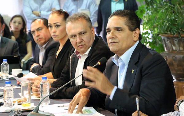 PRESIDEN REUNIÓN DE EVALUACIÓN DE INDICADORES DE POLÍTICA SOCIAL EN MICHOACÁN