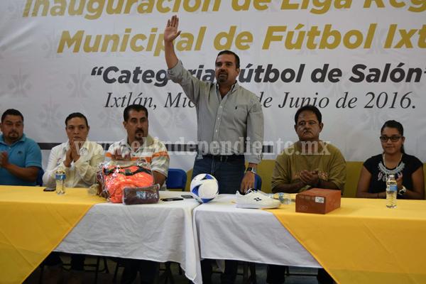 Alcalde de Ixtlán inauguró el torneo municipal de futbol de salón