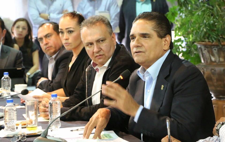 PRESIDEN REUNIÓN DE EVALUACIÓN DE INDICADORES DE POLÍTICA SOCIAL EN MICHOACÁN.