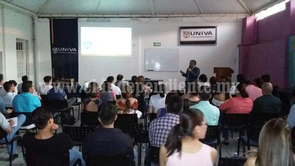 UNIVA Zamora impartió conferencia en Coaching personal y profesional