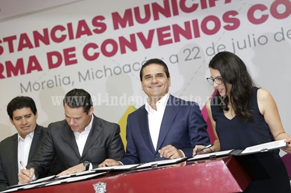 Jóvenes y mujeres son centro de la política pública en Michoacán: Silvano Aureoles