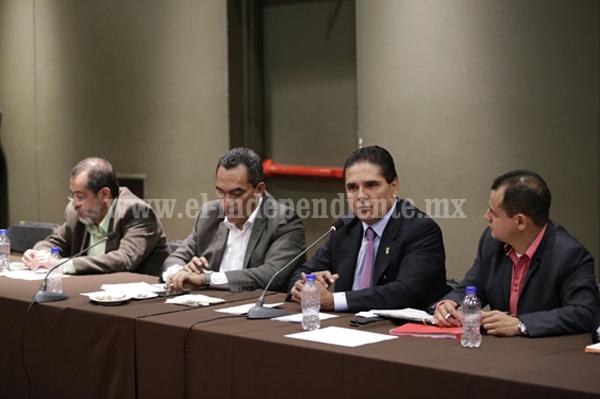 Se reúne Gobernador con CNTE; avanzan acuerdos