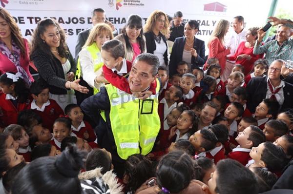 Más de 700 obras de infraestructura educativa en 9 meses de Gobierno de Silvano Aureoles