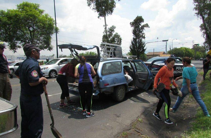 Tres heridos y daños materiales, en dos accidentes viales sucedidos en Morelia