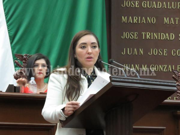 Busca diputada Noemí Ramírez mejorar trato a empleados del servicio público