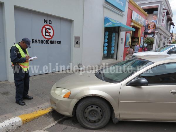Aplican hasta 60 multas por mes por no respetar lugares