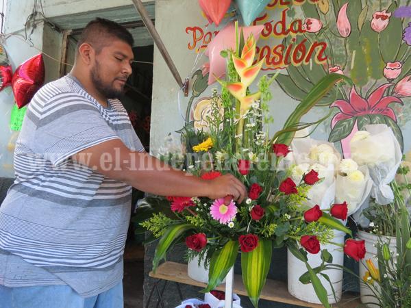 Al alza costo de flores por graduaciones escolares