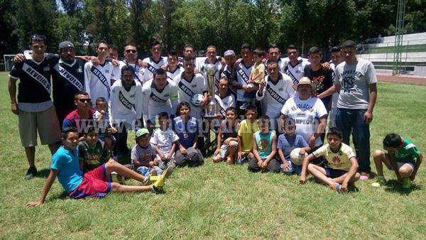 Revolución ganó y avanzó en Copa al derrotar al Cerrito.