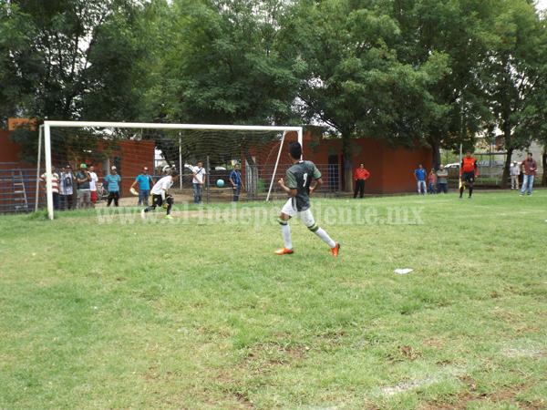 Tepehuaje venció al Sauz y enfrentará en semifinales al Campestre.