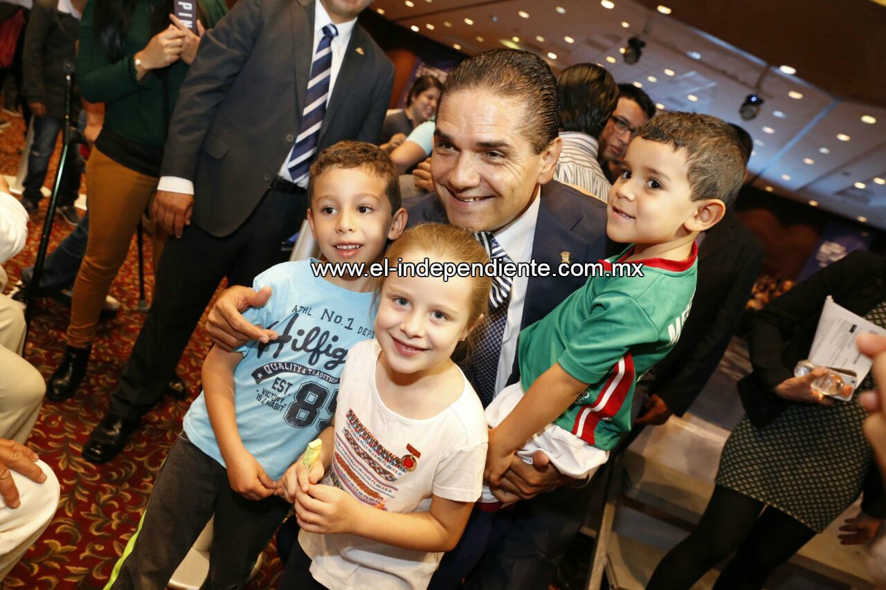 Anuncia Gobernador programa de motivación a niñez y juventud michoacana