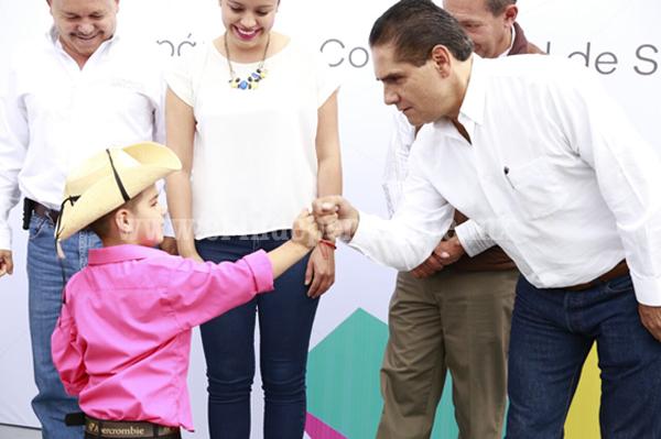 Tendrá Michoacán programa contra deserción escolar: Gobernador