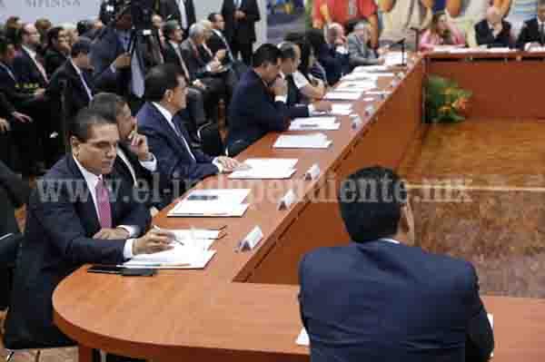 Asiste Gobernador a la presentación del proyecto de Política Nacional 25 al 25