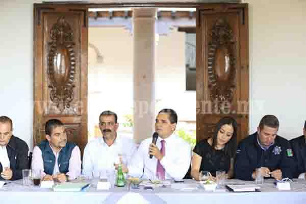 Cooperación y solidaridad, herramientas para sacar adelante a Úspero, municipio de Parácuaro: Gobernador