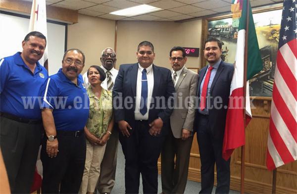 Alcaldes de Tangancícuaro y Delano hermanan ciudades.