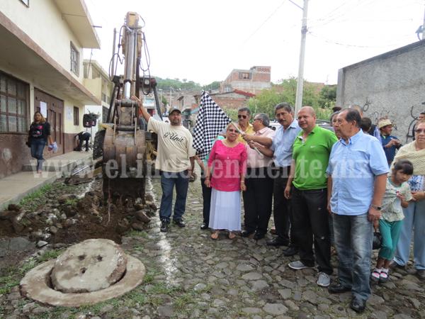 Arrancó la sustitución de la obra de drenaje en la calle Manuel Altamirano