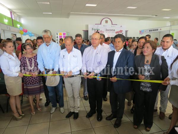 Más de 600 vacantes ofertadas en la primera feria estatal del empleo en Jacona