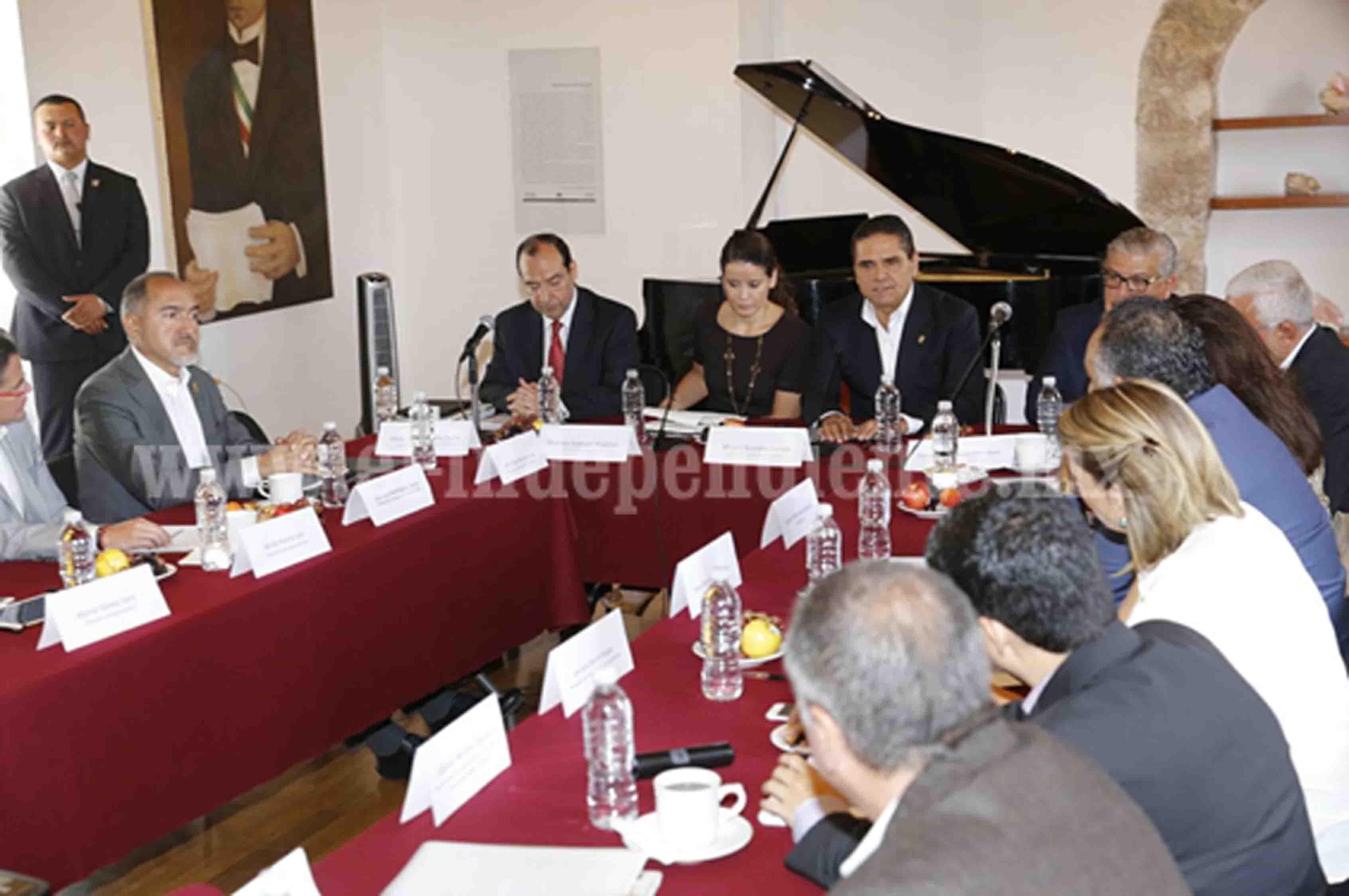 Coordinados Gobierno del Estado y Federación en tema educativo: Silvano Aureoles