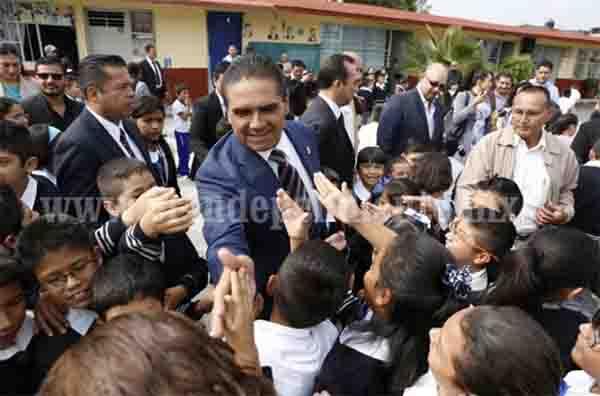 Apoyará Gobierno del Estado a escuelas que sí cumplen con clases