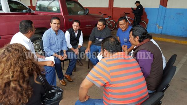 Escucha Gobernador a maestros de la CNTE región Zamora
