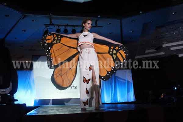 Alumnos de la UTM rinden homenaje con diseños de moda a etnias michoacanas