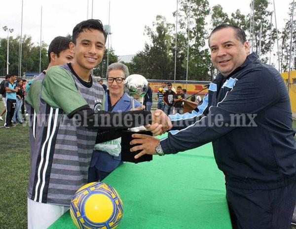 """Realizaron la premiación del 47 Torneo de Barrios """"Rosita Espinoza""""."""