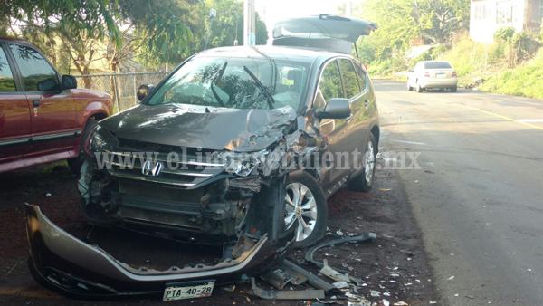 Una mujer lesionada tras choque frontal en la carretera Zamora – La Piedad