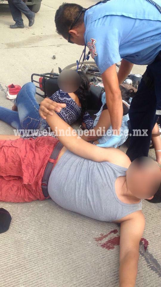 Tres adolescentes heridos al ser arrollados por veloz camioneta en Sahuayo
