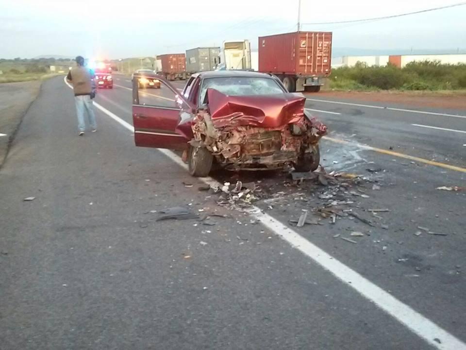 Piedadenses se accidentan camino al trabajo; hay dos muertos y 4 lesionados